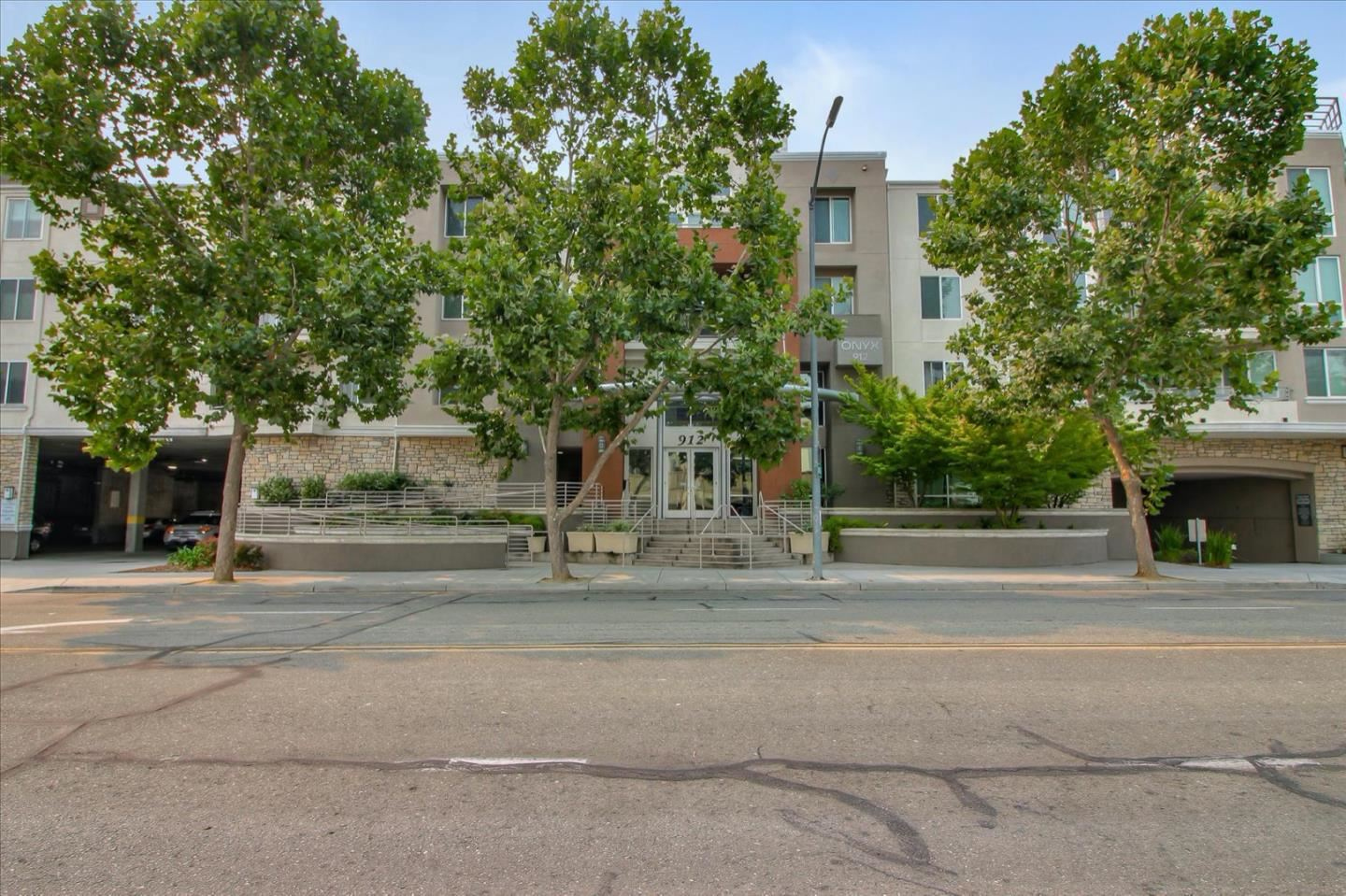 Photo for 912 Campisi WAY 303 #303, CAMPBELL, CA 95008 (MLS # ML81809674)