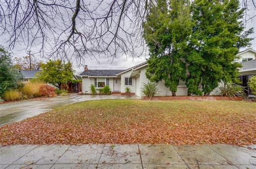 Photo of 1713 Peony LN, SAN JOSE, CA 95124 (MLS # ML81776679)
