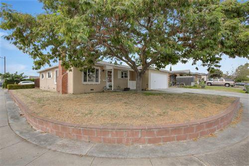 Photo of 1593 Amesbury WAY, SAN JOSE, CA 95127 (MLS # ML81810680)