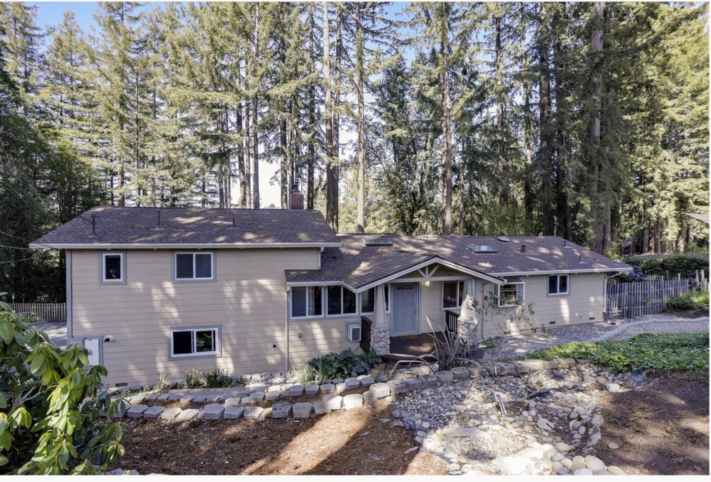 Photo for 24120 Summit Woods DR, LOS GATOS, CA 95033 (MLS # ML81826682)