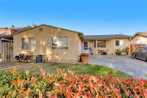 Photo of 2326 Bluebell AVE, SAN JOSE, CA 95122 (MLS # ML81813683)