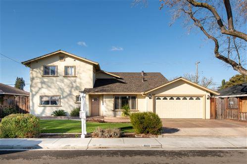 Photo of 1660 Graham LN, SANTA CLARA, CA 95050 (MLS # ML81817688)