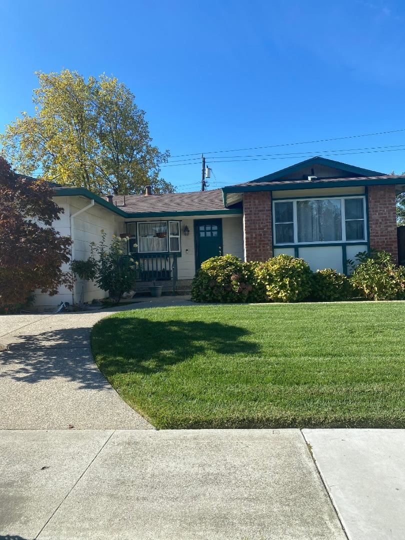 Photo for 10561 N Portal AVE, CUPERTINO, CA 95014 (MLS # ML81818689)