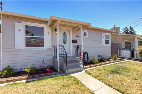 Photo of 949 Montgomery ST, SAN CARLOS, CA 94070 (MLS # ML81802696)