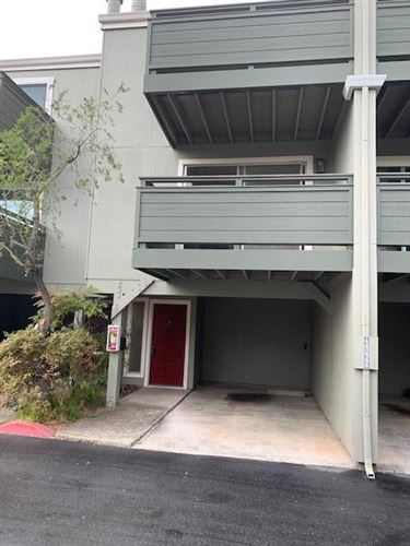 Photo of 4024 FARM HILL BLVD 2 #2, REDWOOD CITY, CA 94061 (MLS # ML81774699)