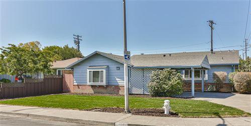 Photo of 794 Ridge Road, SANTA CLARA, CA 95051 (MLS # ML81862699)
