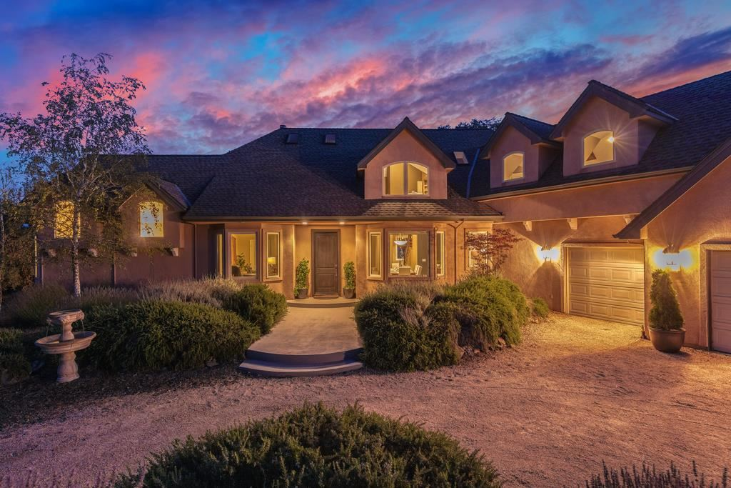 Photo for 13525 Indian Trail RD, LOS GATOS, CA 95033 (MLS # ML81763699)