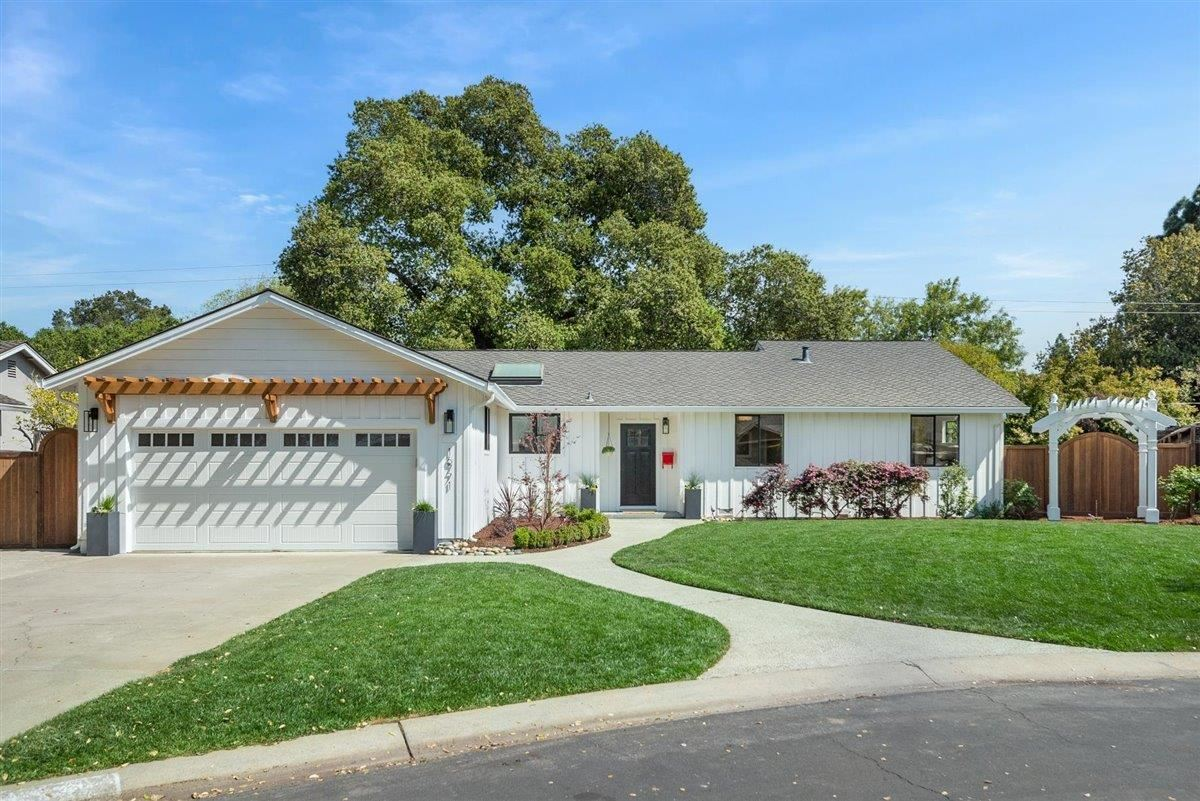 Photo for 16771 Corcel CT, LOS GATOS, CA 95032 (MLS # ML81837703)