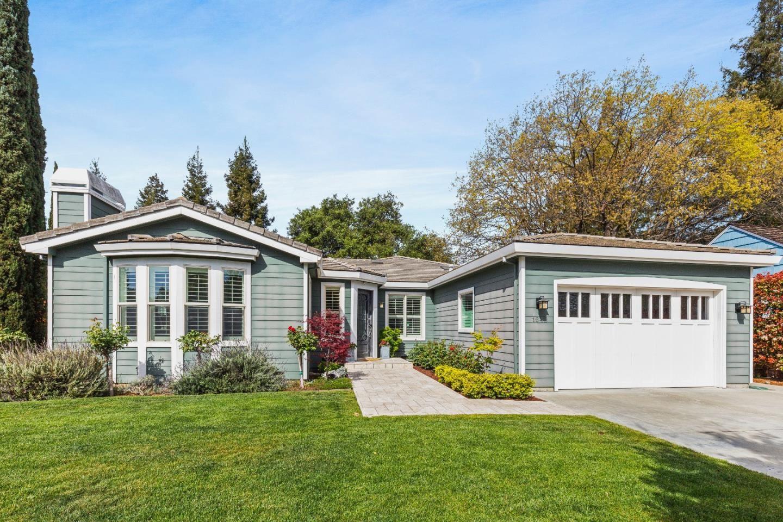 Photo for 1642 Parkhills Avenue, LOS ALTOS, CA 94024 (MLS # ML81839712)