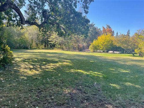Photo of 275 Camino Al Lago, ATHERTON, CA 94027 (MLS # ML81866725)