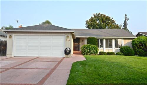Photo of 5548 Sunny Oaks DR, SAN JOSE, CA 95123 (MLS # ML81810726)