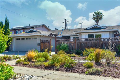Photo of 1060 Del Cambre Drive, SAN JOSE, CA 95129 (MLS # ML81851733)
