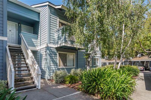 Photo of 1584 Four Oaks Circle, SAN JOSE, CA 95131 (MLS # ML81843739)