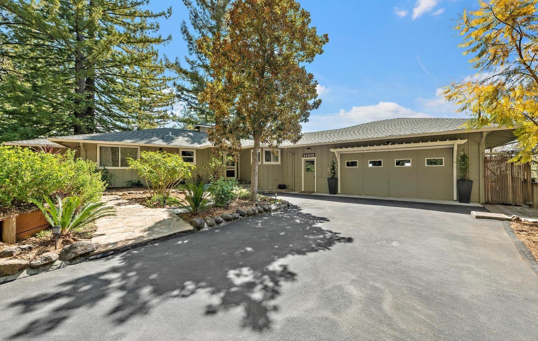 Photo for 24705 Spanish Oaks RD, LOS GATOS, CA 95033 (MLS # ML81836739)