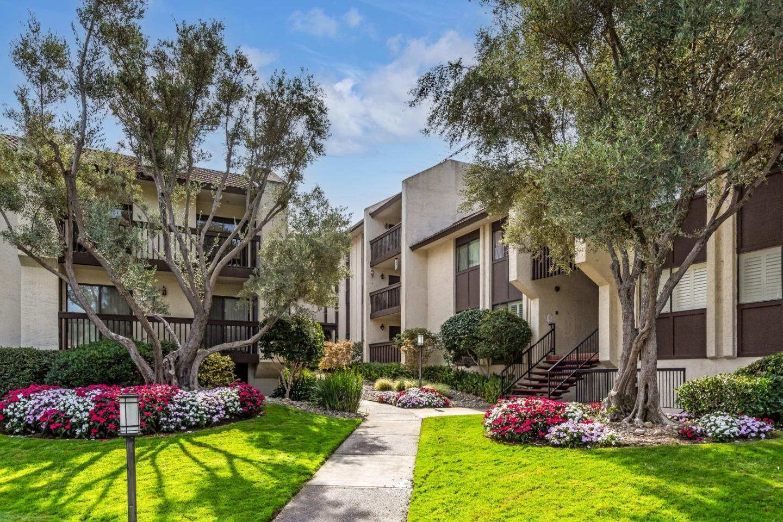 Photo for 226 West Edith Avenue #14, LOS ALTOS, CA 94022 (MLS # ML81865741)