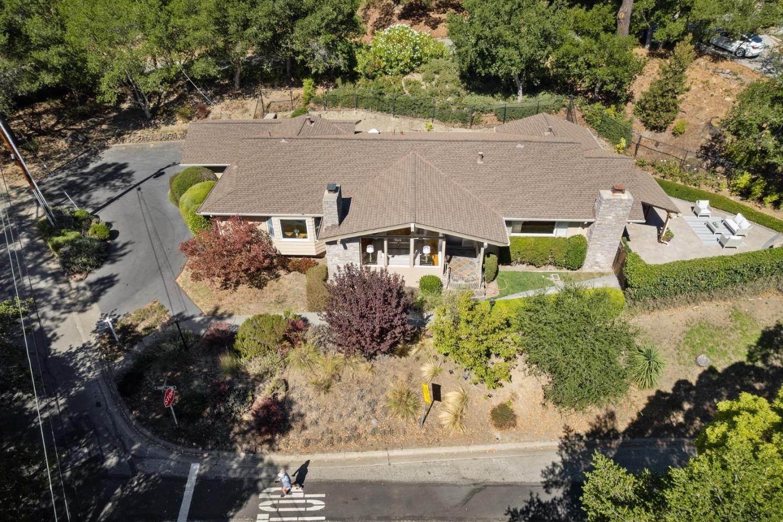 Photo for 40 West Avondale Road, HILLSBOROUGH, CA 94010 (MLS # ML81862747)