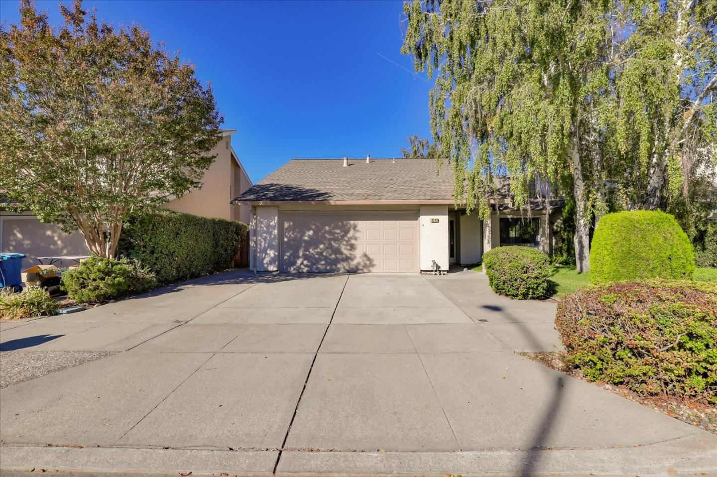 Photo for 9243 Solana DR, GILROY, CA 95020 (MLS # ML81815752)