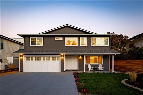 Photo of 58 Santa Rosa AVE, HALF MOON BAY, CA 94019 (MLS # ML81799753)
