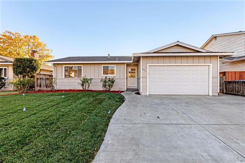 Photo of 2071 Treewood LN, SAN JOSE, CA 95132 (MLS # ML81821753)