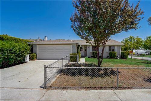 Photo of 5798 Hillbright Circle, SAN JOSE, CA 95123 (MLS # ML81854758)