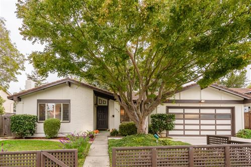 Photo of 1420 Yew Street, SAN MATEO, CA 94402 (MLS # ML81867759)