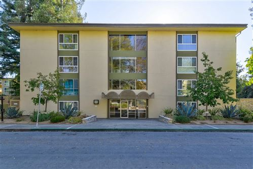 Photo of 1033 Crestview DR 104 #104, MOUNTAIN VIEW, CA 94040 (MLS # ML81772760)