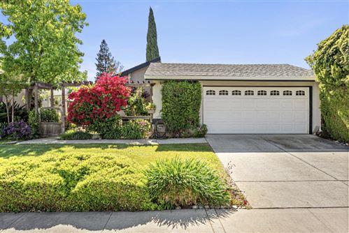 Photo of 5264 Garrison Circle, SAN JOSE, CA 95123 (MLS # ML81844763)