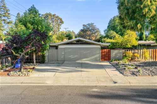 Photo of 537 Victory Avenue, MOUNTAIN VIEW, CA 94043 (MLS # ML81866763)