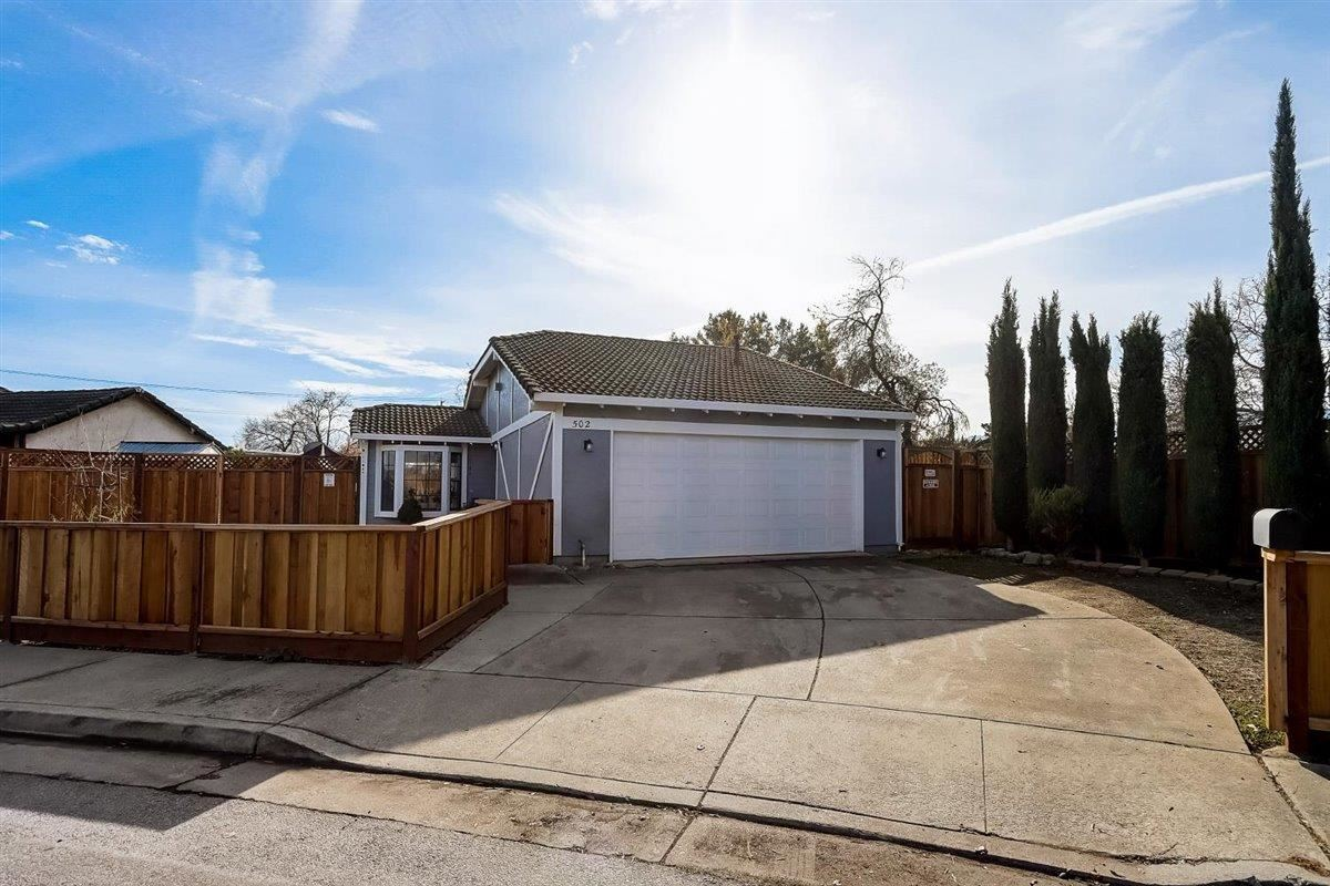 Photo for 502 Hadley CT, GILROY, CA 95020 (MLS # ML81823763)