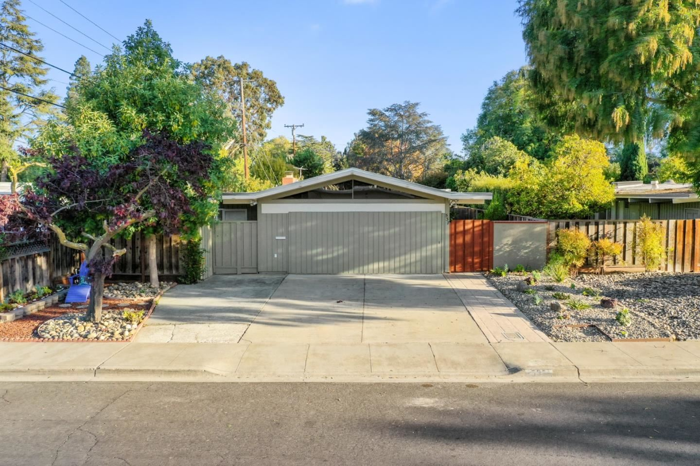 Photo for 537 Victory Avenue, MOUNTAIN VIEW, CA 94043 (MLS # ML81866763)