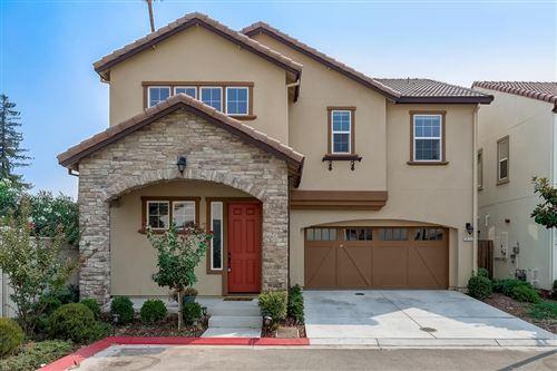 Photo of 5072 Brook Valley LOOP, SAN JOSE, CA 95136 (MLS # ML81808764)