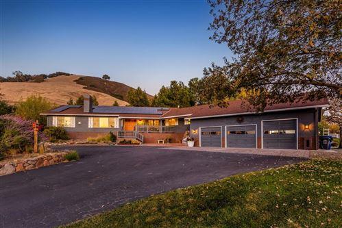 Photo of 15410 Carey LN, SAN MARTIN, CA 95046 (MLS # ML81821765)