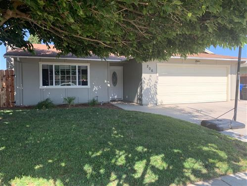Photo of 206 San Antonio DR, GREENFIELD, CA 93927 (MLS # ML81768772)