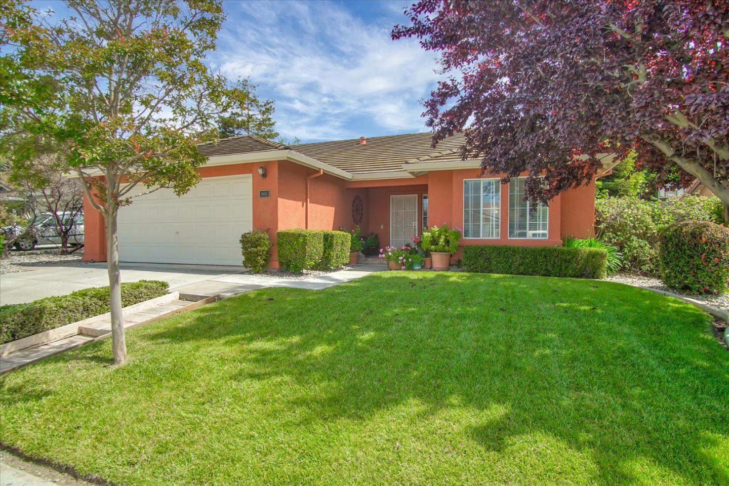 Photo for 1801 Hickory CT, HOLLISTER, CA 95023 (MLS # ML81793775)