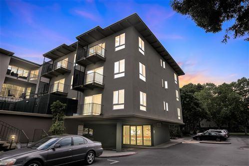 Photo of 904 Peninsula Avenue #204, SAN MATEO, CA 94401 (MLS # ML81851780)