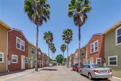 Photo of 857 Carlisle Way #118, SUNNYVALE, CA 94087 (MLS # ML81855782)