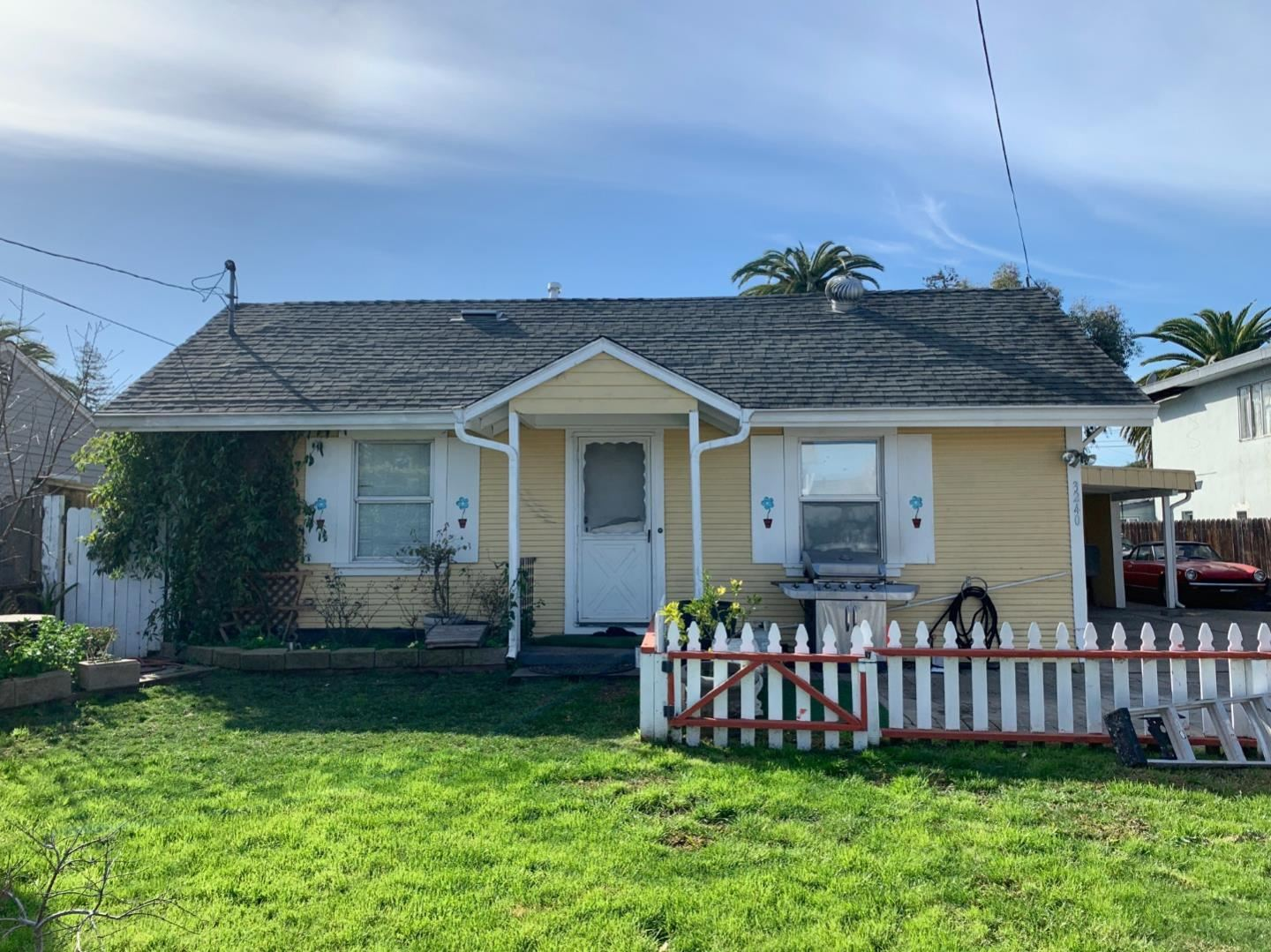 3240 Fair Oaks Avenue, Redwood City, CA 94063 - #: ML81826783