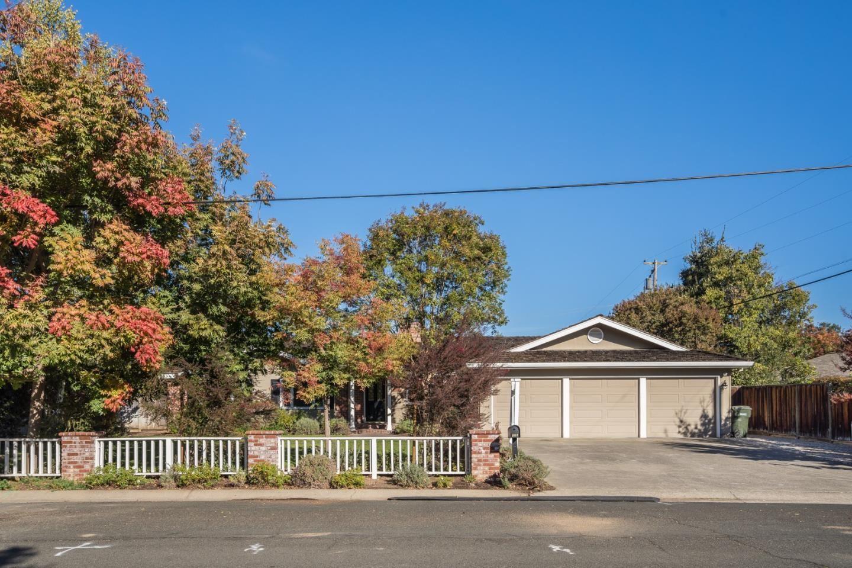 Photo for 1457 Ranchita DR, LOS ALTOS, CA 94024 (MLS # ML81819784)