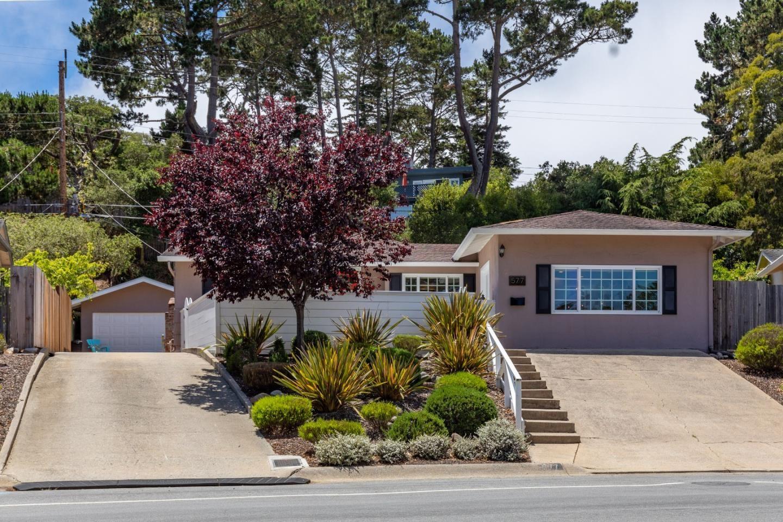 Photo for 577 Mar Vista Drive, MONTEREY, CA 93940 (MLS # ML81852785)