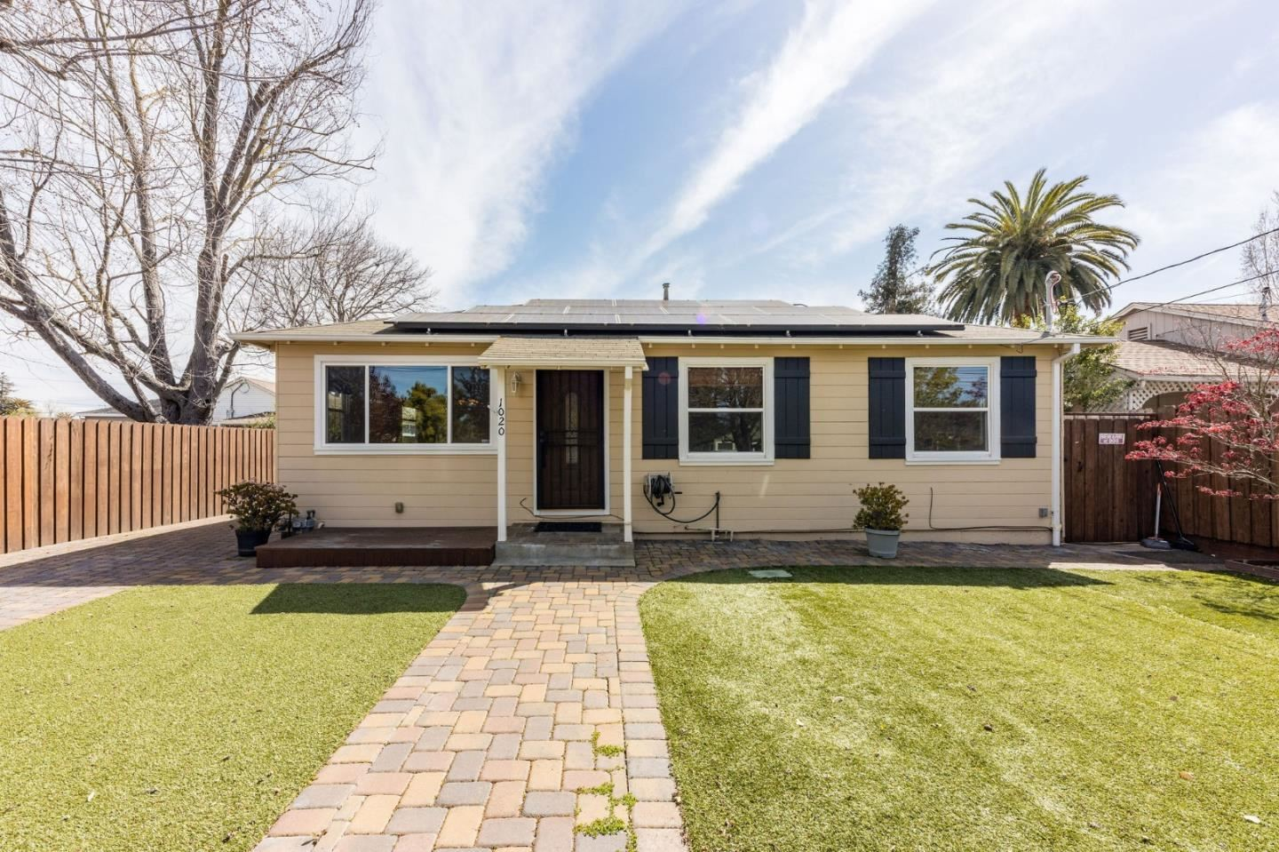 1020 8th Avenue, Redwood City, CA 94063 - #: ML81835792