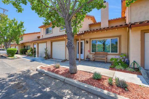 Photo of 5627 Blossom Park LN, SAN JOSE, CA 95118 (MLS # ML81795797)
