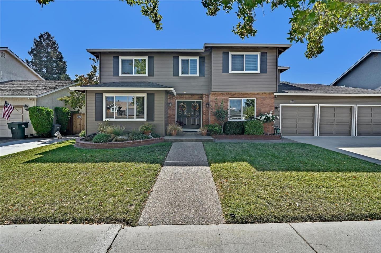 Photo for 15655 La Tierra Drive, MORGAN HILL, CA 95037 (MLS # ML81864798)