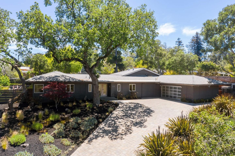 Photo for 215 Bridge Road, HILLSBOROUGH, CA 94010 (MLS # ML81845799)