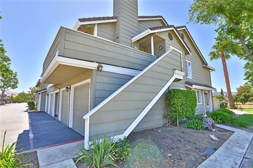 Photo of 98 Cherry Ridge LN, SAN JOSE, CA 95136 (MLS # ML81793801)