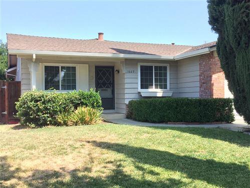 Photo of 1689 Enesco Avenue, SAN JOSE, CA 95121 (MLS # ML81852807)