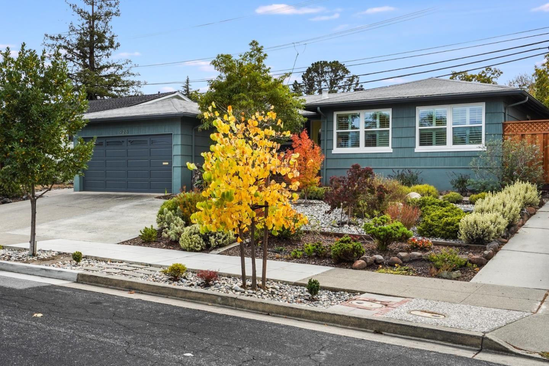926 Chesterton Avenue, Redwood City, CA 94061 - #: ML81867807