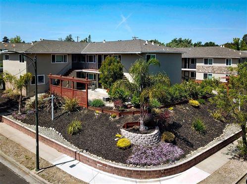 Photo of 115 Towne Terrace, LOS GATOS, CA 95032 (MLS # ML81846814)