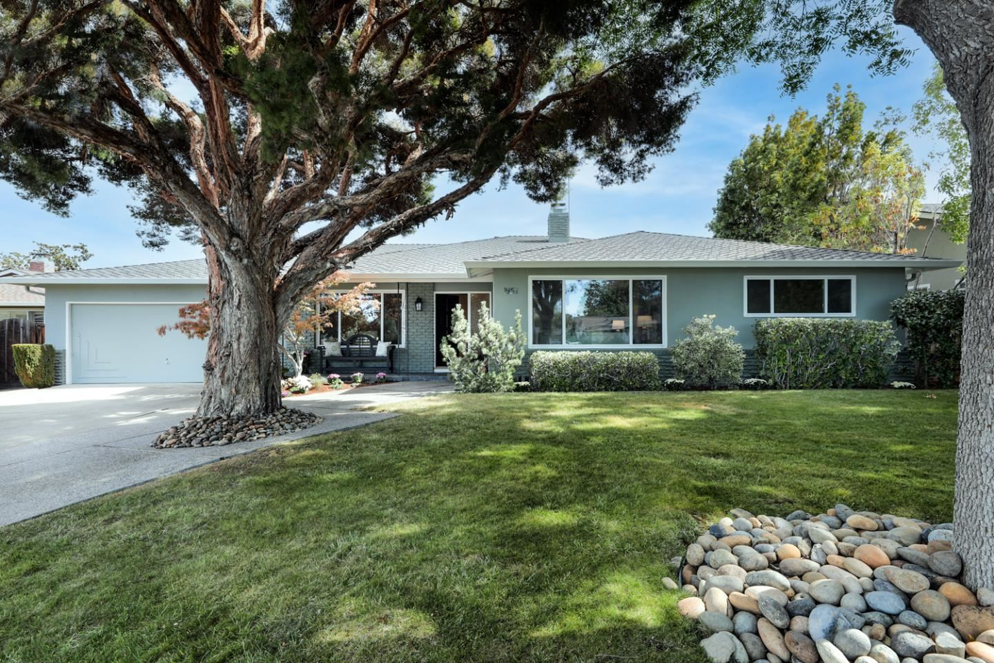 Photo for 1951 Golden Way, MOUNTAIN VIEW, CA 94040 (MLS # ML81865814)