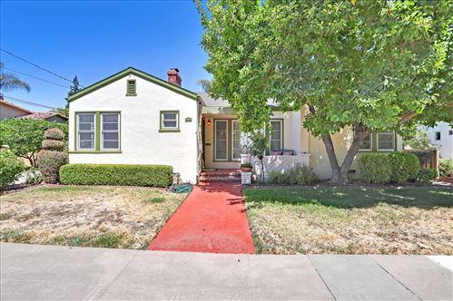 Photo of 1137 Willow Glen Way, SAN JOSE, CA 95125 (MLS # ML81855816)
