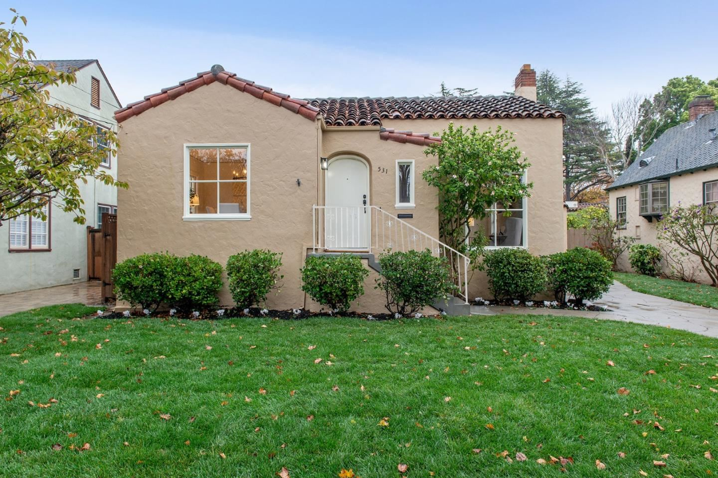 Photo for 531 Francisco DR, BURLINGAME, CA 94010 (MLS # ML81820818)